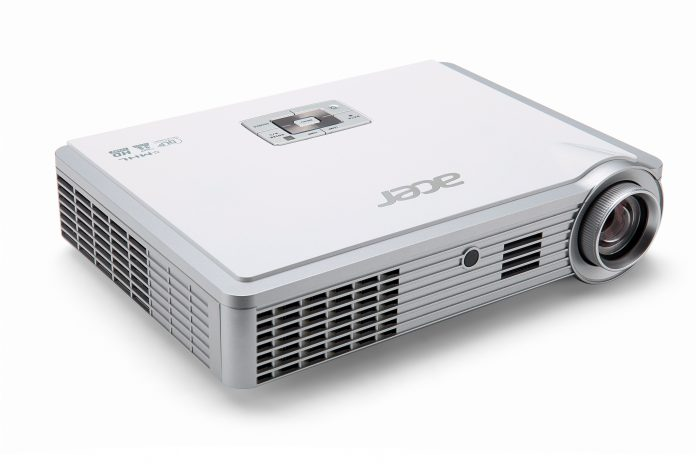 Acer_ProjectorK335_01
