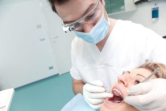Dentista_Dental Glass