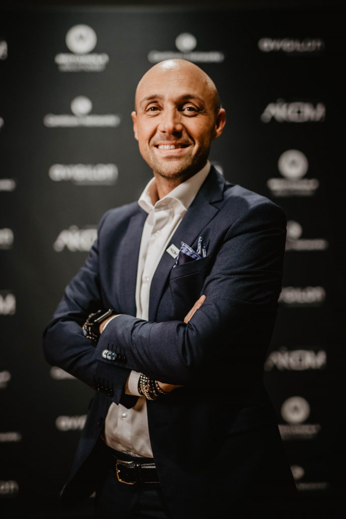 Raffaele Bianchi, Aikom
